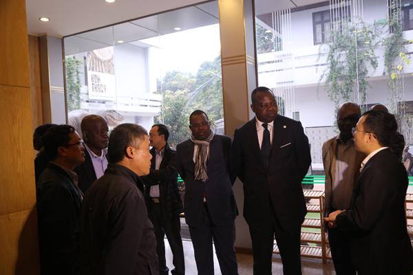 Đoàn Bộ trưởng Bộ Khoa học và đổi mới công nghệ Cộng hòa Congo